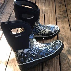 Cute Bogs boots, WATERPROOF! Size 7 women's EUC